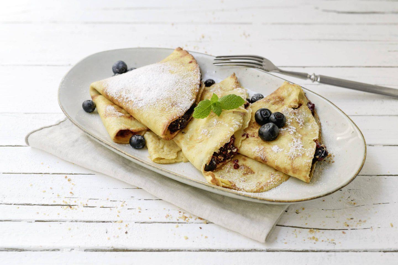 Palatschinken mit Nuss-Heidelbeerfüllung und VEGGY Sweet